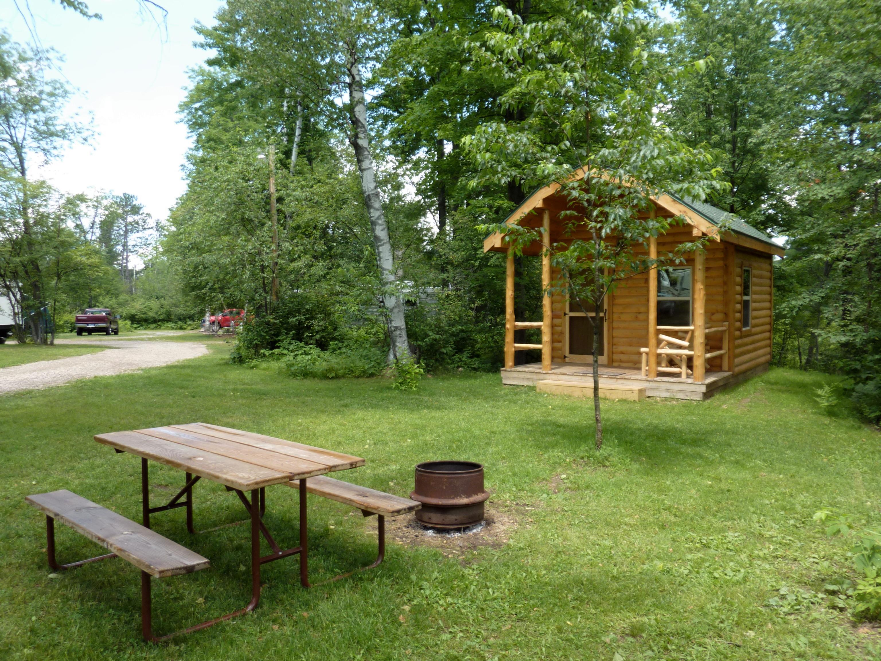 Summer Breeze Campground - Iron Mountain, MI » cabin